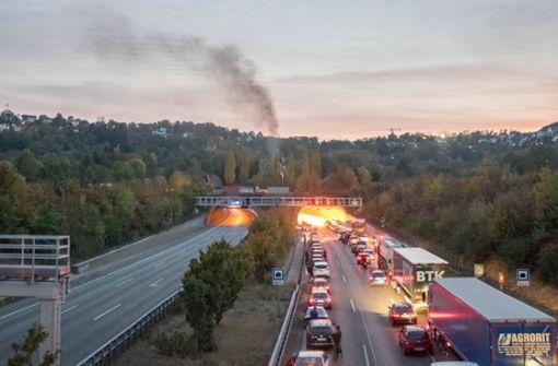 Pkw in Brand – Engelbergtunnel stundenlang gesperrt