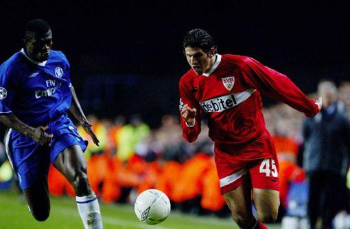 Sein Debüt in der Profimannschaft des VfB Stuttgart gibt Mario Gomez direkt in der Champions League: Beim 0:0 im Achtelfinal-Rückspiel in London wird der Stürmer von Trainer Felix Magath gegen Chelsea im März 2004 eingewechselt. Foto: Baumann