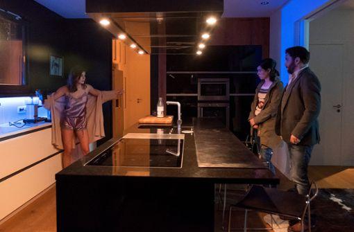 Lollo Sassen (Ruby O. Fee) wird von Kira Dorn (Nora Tschirner) und Lessing (Christian Ulmen) befragt. (v.l.) Foto: MDR