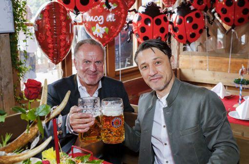 FC-Bayern-Spieler feiern trotz Niederlage