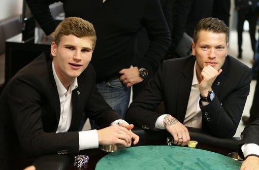Stehen Timo Werner (links) und Daniel Ginczek auf dem Wunschzettel von Borussia Dortmund und Thomas Tuchel.  Foto: Pressefoto Baumann