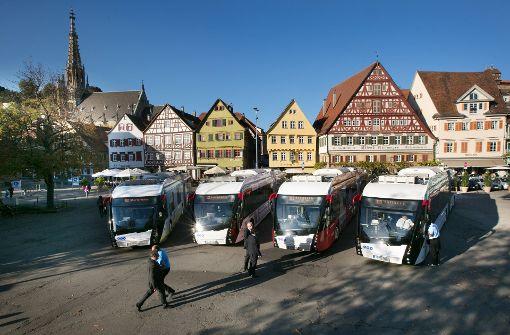 Elektrobusse überzeugen Winfried Hermann