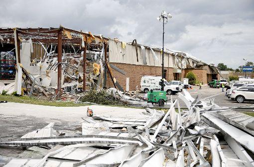 Vier seltene August-Tornados richten Verwüstungen an