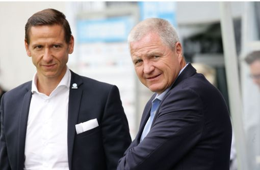Geschäftsführer Marc-Nicolai Pfeifer (li.), Präsident Rainer Lorz: Die Stuttgarter Kickers haben schon bessere Zeiten erlebt. Foto: Baumann