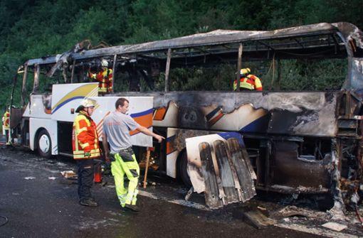 Reisebus brennt aus – Ursache bekannt