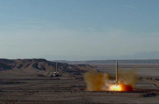 """Zwei Raketen mit der Aufschrift """"Israel muss ausgelöscht werden"""" sollen von Iran aus gezündet worden sein. Foto: dpa"""
