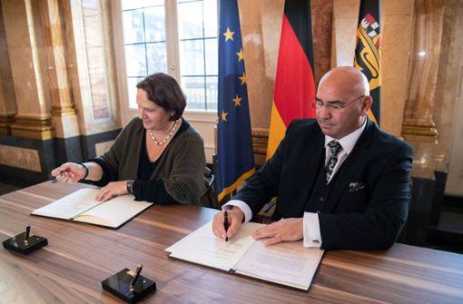 Verband der Sinti und Roma und das Land erneuern Zusammenarbeit