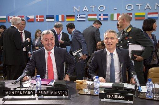 Nato beschließt Aufnahme Montenegros