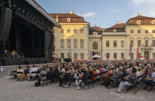 Das Ludwigsburger Schloss bot an dem warmen Sommerabend eine schöne Kulisse für das entspannte Konzert. Foto: factum/Weise