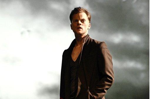 """Der Nebel des Verrrates lichtet sich : Paul Schröder in der Rolle des Major Crampas in """"Effi Briest"""" Foto: Bettina Stoess"""
