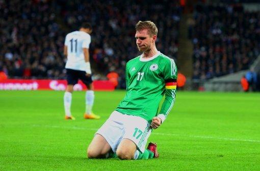 Mertesacker trifft zum 1:0-Sieg in London