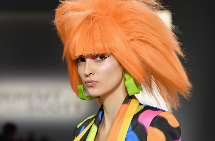 New York Fashion Week: Glam Rock trifft auf intergalaktischen Neon-Eskapismus