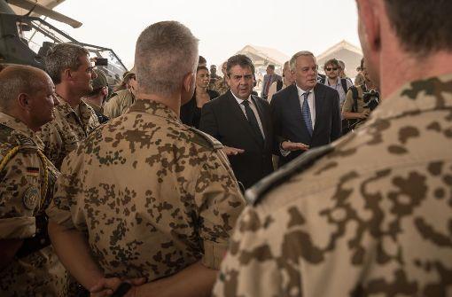 Zwei Krisen, ein Truppenbesuch