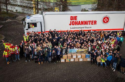 Der große Johanniter-Truck vor dem Beladen. Foto: Lichtgut / Christoph Schmidt