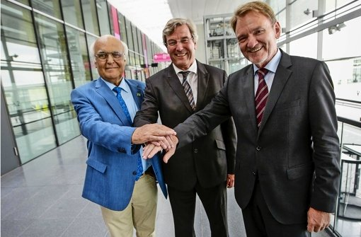 Die Jury: Bahnvorstand Volker Kefer, Regionalpräsident Thomas Bopp und Tunnelbohrer-Weltmarktführer Martin Herrenknecht (v. re.) Foto: Leif Piechowski