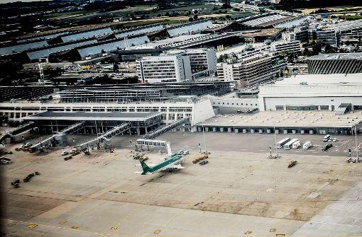 Der Landesflughafen soll einen Fernbahnhof und den Anschluss an die Gäubahn erhalten. Foto: Lichtgut/Leif Piechowski