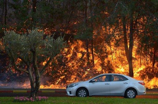 Die Polizei ermittelt wegen Brandstiftung. Foto: EPA