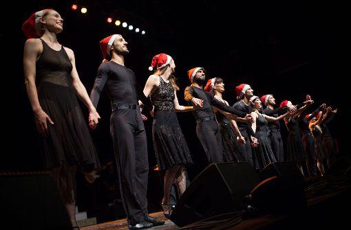 """Dank ans Publikum: Gauthier Dance bei der """"Nacht der Lieder"""". Foto: Lichtgut/Leif Piechowski"""
