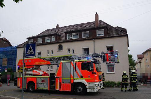 Die Feuerwehr kann den Brand in einer Küche in Göppingen schnell löschen. Foto: SDMG