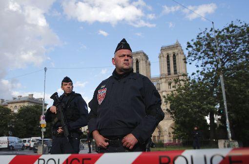 Polizei schießt auf Angreifer vor Pariser Notre-Dame