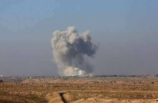 Irakische Truppen nehmen Flughafen und Militärbasis ein