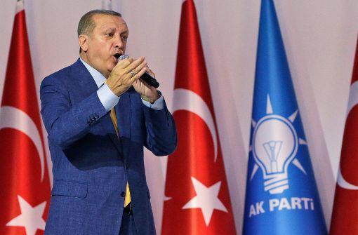 Erdogan wieder zum AKP-Parteichef gewählt