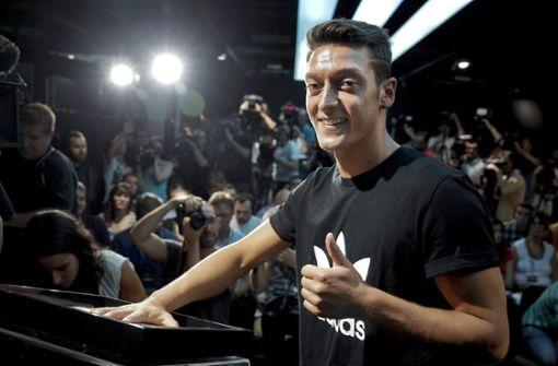 Freundin von Mesut Özil mit Liebes-Posting