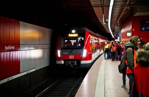Für mehr Pünktlichkeit: Zu 87  Zügen des neuen Modells kommen ab Juli zehn dazu Foto: Peter Petsch