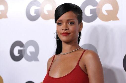 R&B-Queen Rihanna gibt die Lady in Red