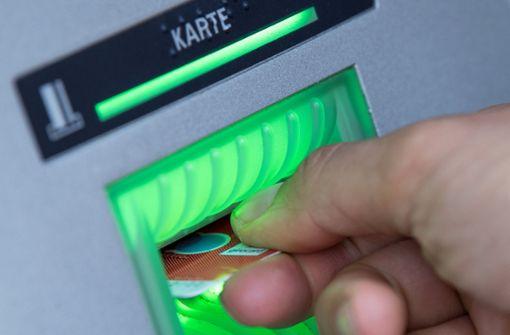 Mann erleidet Schock am Geldautomaten
