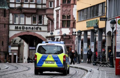 Polizei sucht zehnten Verdächtigen