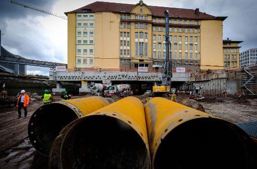 Unter dem Gebäude sollen einmal die Bahntunnel für Stuttgart 21 verlaufen. Foto: Lichtgut/Achim Zweygarth