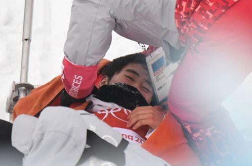 Der 16-Jährige wurde sofort durch Rettungssanitäter behandelt. Foto: AFP