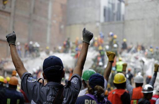 Unter Trümmern begrabenes Mädchen wird Hoffnungszeichen