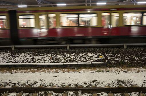 Schiene bricht auf S-Bahn-Strecke zum Flughafen Schönefeld