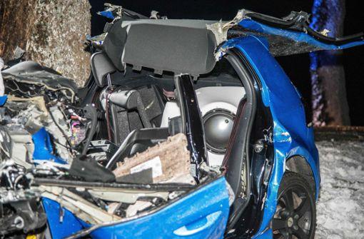 Das Auto wurde fast vollständig zerstört. Foto: SDMG