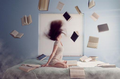 Zeit, mal wieder in Büchern zu schmökern. Foto: Pixabay