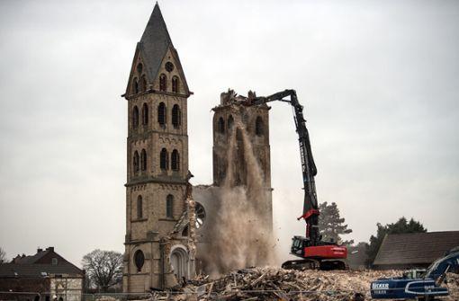 Abrissbirne für Gotteshäuser