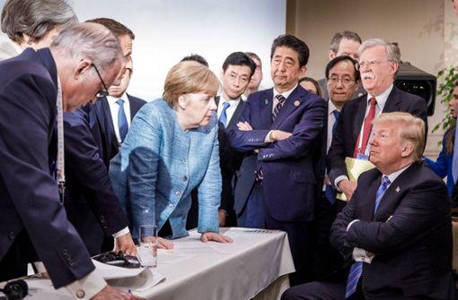 So macht sich das Netz über das Bild von Trump und Merkel lustig