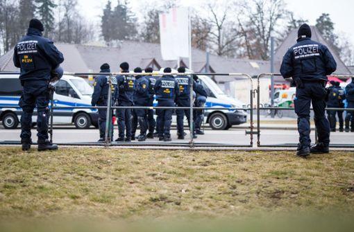 Parteitag unter Polizeischutz