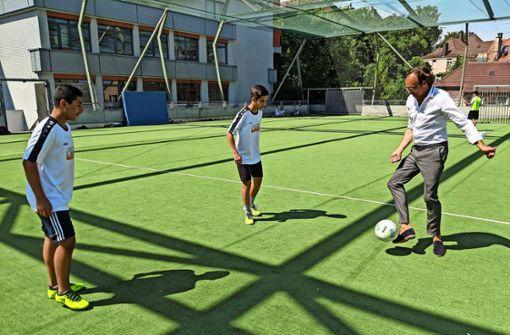 Integration beim Kicken im Verein