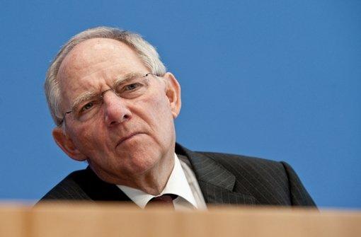 Bundesfinanzminister Wolfgang Schäuble (CDU) gibt am 21. März 2012 eine Pressekonferenz in Berlin. Die Südwest-CDU zieht voraussichtlich wieder mit Schäuble in den Wahlkampf. Foto: dpa