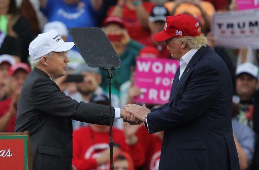 Trump demontiert seinen Justizminister Sessions öffentlich