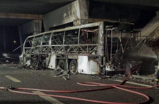 Mindestens 16 Tote bei Busunglück in Italien