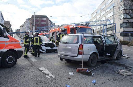 Am Mittwoch kam es zu einem heftigen Unfall in Stuttgart am Neckartor. Foto: 7aktuell.de/Frank Herlinger