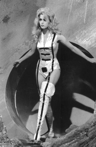 """Sexkätzchen, frisch der Männerfantasie entstiegen: Jane Fonda 1968 in der Comic-Verfilmung """"Barbarella""""  Foto: KEYSTONE/AP"""