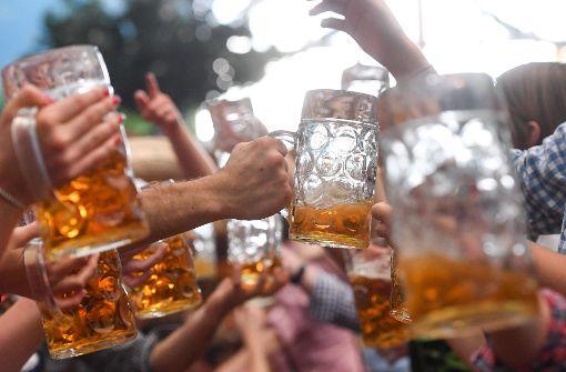 Verein prüft Schankmoral – zu wenig Bier in den Krügen