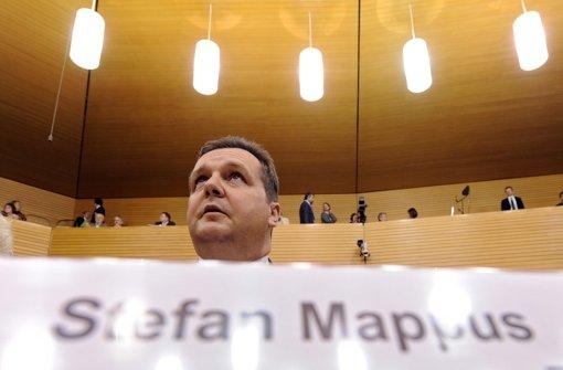Ex-Ministerpräsident Mappus bei seiner Aussage vor dem EnBW-Ausschuss Foto: dpa