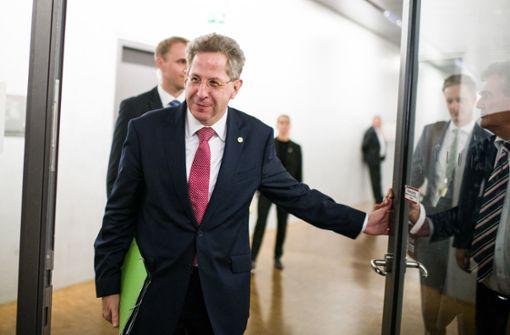 Nach rund zwei Stunden ist die Befragung von Verfassungsschutz-Präsident Hans-Georg Maaßen im geheim tagenden Parlamentsgremium zur Kontrolle der Geheimdienste (PKGr) beendet. Foto: dpa