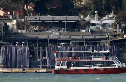 Blick auf die Fassade des Nachtclubs in Istanbul: In der Silvesternacht wurde hier ein Blutbad angerichtet.   Foto: AP